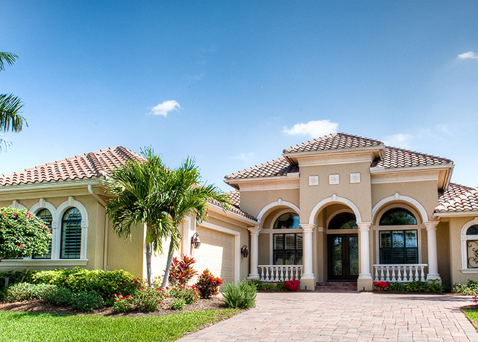 Southwest florida luxury home builders royal corinthian for Luxury houses in florida